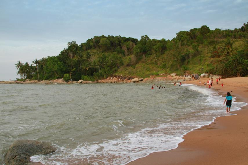 Sinka Island Park, sebuah kawasan wisata yang berada di kawasan Jalan Malindo Teluk Karang, Singkawang, Kalimantan Barat
