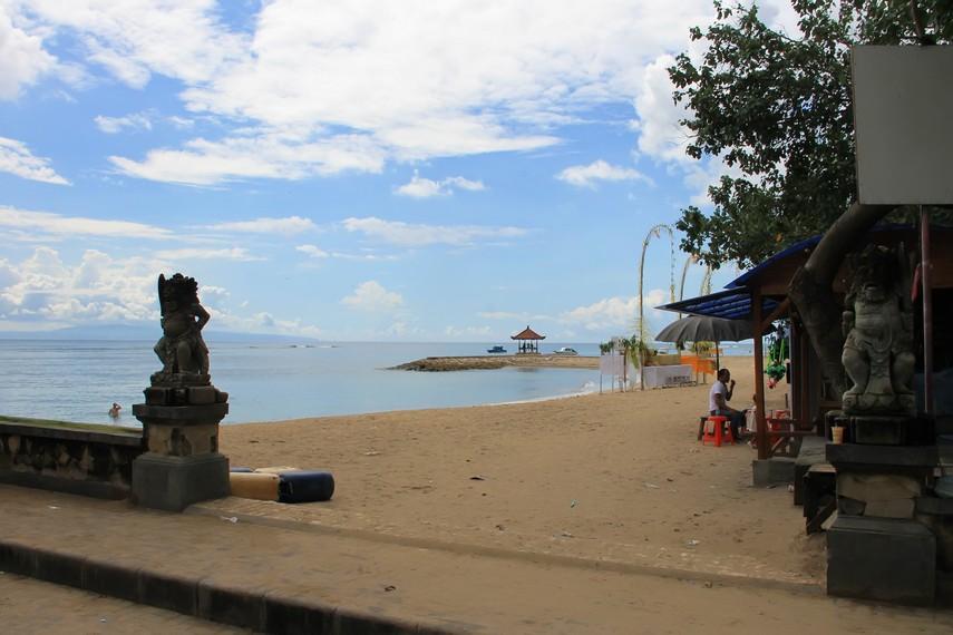 Gerbang masuk Pantai Sanur, salah satu pantai wisata tertua di Bali