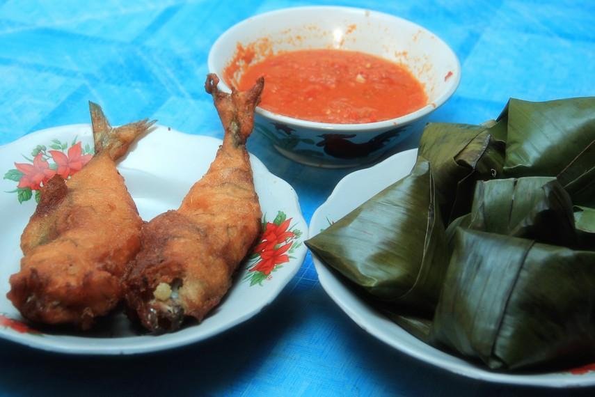 Nasi sala adalah menu sarapan khas Pariaman yang terdiri dari sala ikan yang dihidangkan dengan nasi sek dan samba lado tanak