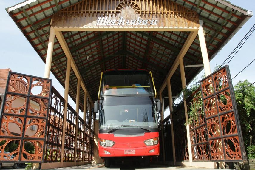Bus wisata Werkudara, bus tingkat andalan Kota Solo untuk para wisatawan yang ingin berkeliling ke kota