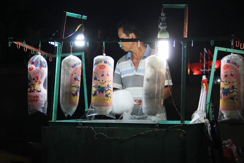 Pasar Malam Sungai Musi merupakan gambaran kearifan lokal masyarakat Palembang
