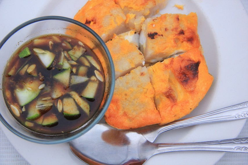 Selain mpek-mpek, kuliner khas Palembang yang tak kalah tersohor adalah lenggang