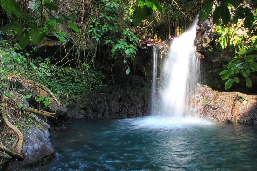 Air Terjun Antogan terletak di Dusun Krajan, Kecamatan Kabat, Banyuwangi
