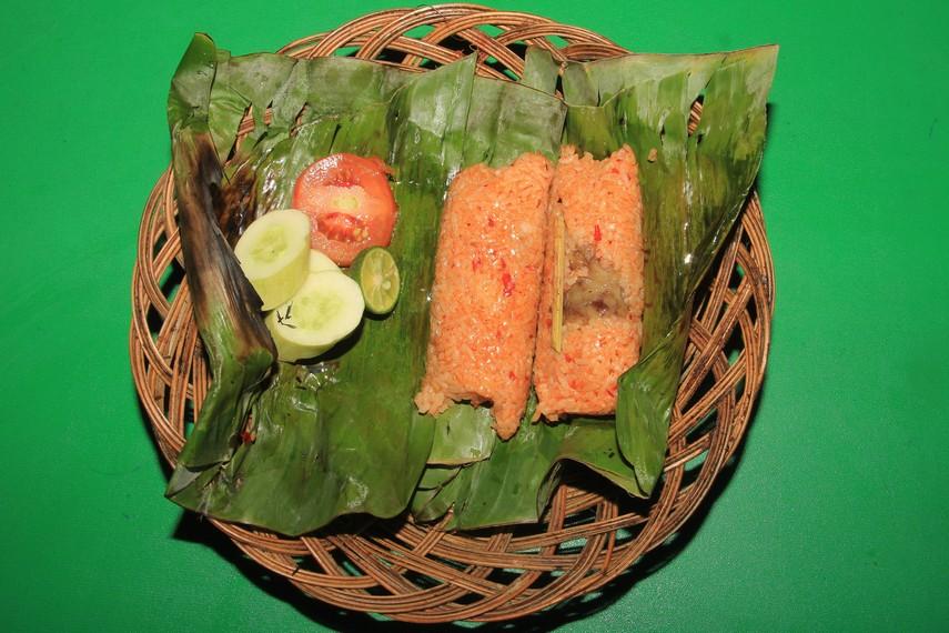 Nasi bakar sumsum menjadi salah satu kuliner khas dari Kota Serang Banten