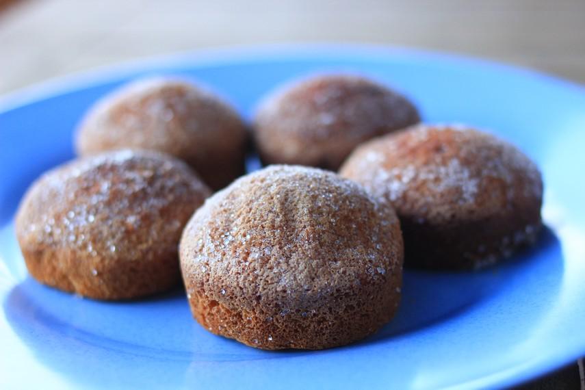 Kue bolu cukke merupakan kue khas Sulawesi Selatan, kue ini banyak ditemukan di Kampung Lajoa, Kecamatan Marioriwawo, Soppeng, Sulawesi Selatan