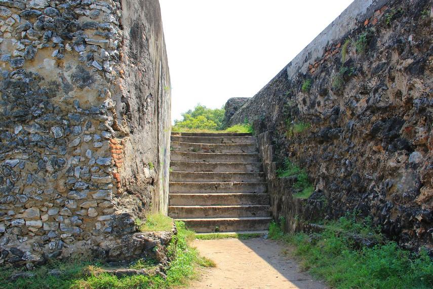 Benteng Speelwijk dibangun antara tahun 1681-1684 tepatnya pada masa Sultan Abu Nas Abdul Qohar