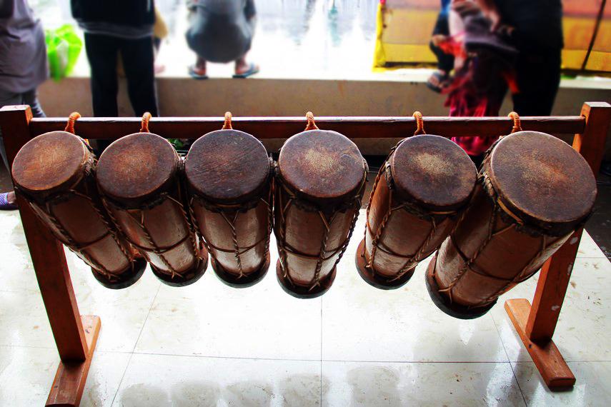 Gordang merupakan alat musik berbentuk gendang yang dipukul berirama