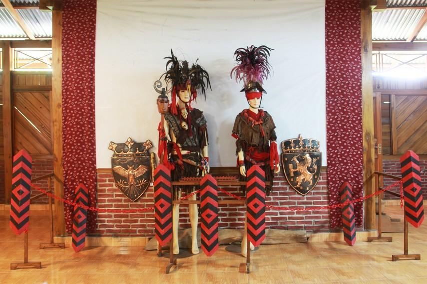 Museum Pinawetengan berada di dalam Kompleks Pusat Kebudayaan Sulawesi Utara letaknya tepat di kawasan Tompaso,  Sulawesi Utara