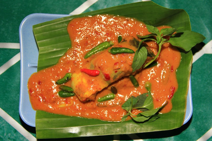 Brengkes Tempoyak merupakan masakan tradisional Sumatera Selatan yang menggunakan ikan patin sebagai bahan utama pembuatannya