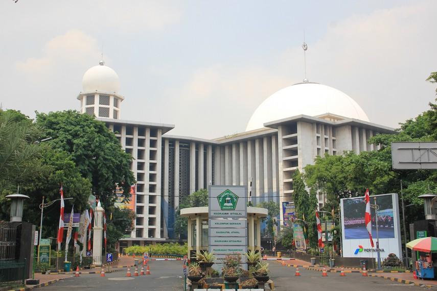 Ide mendirikan masjid sebagai simbol kemerdekaan tercetus di tahun 1953
