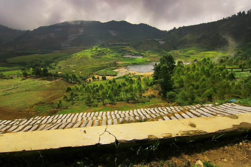 Kawah Sileri berada di Desa Pekasiran, Kecamatan Batur, Kabupaten Banjarnegara