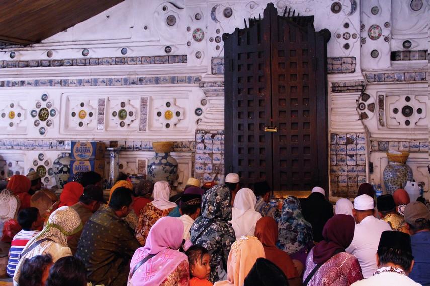 Kompleks Pemakaman Sunan Gunung Jati memiliki lahan seluas 4 hektar