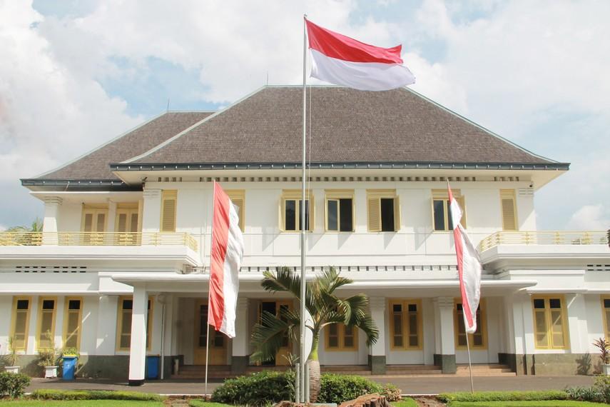 Museum Perumusan Naskah Proklamasi terletak di Jalan Imam Bonjol No 1, Jakarta Pusat