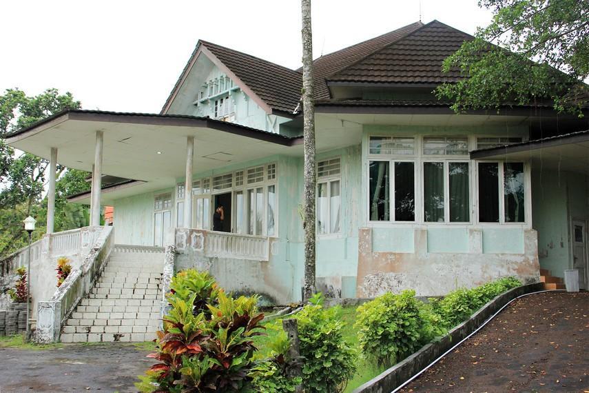 Rumah ini dahulu digunakan pejabat Belanda yang berkuasa di Belitung
