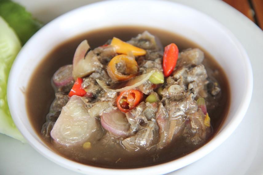 Sambal rusip merupakan sambal khas masyarakat Bangka yang terbuat dari ikan teri