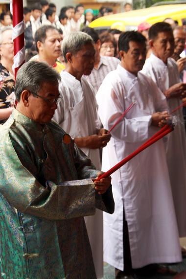Sembahyang Twan Yang merupakan salah satu tradisi kepercayaan yang selalu dilaksanakan setiap perayaan pehcun