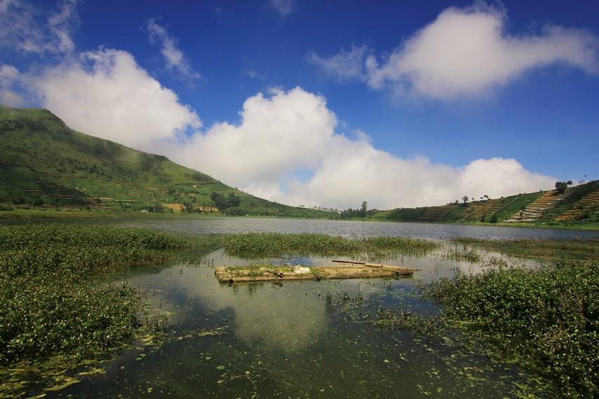 Telaga Merdada merupakan telaga terluas di Dataran Tinggi Dieng. Walau begitu, telaga ini tidak memiliki satu pun mata air