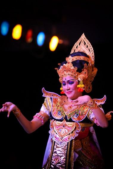 Budaya Bali yang terbuka memungkinkan lahirnya berbagai tari kreasi