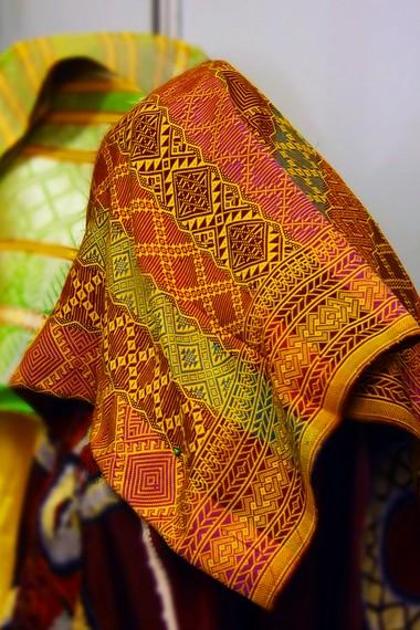 Tenun songket Pandai Sikek dikenal memiliki motif yang khas