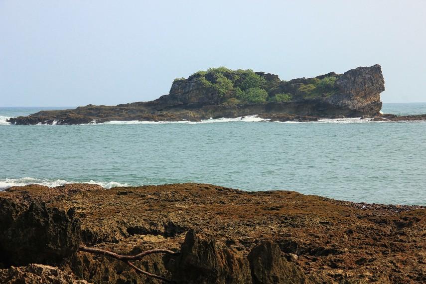 Nama Pulo Manuk di ambil dari bahasa Sunda yag berarti Pulau Burung