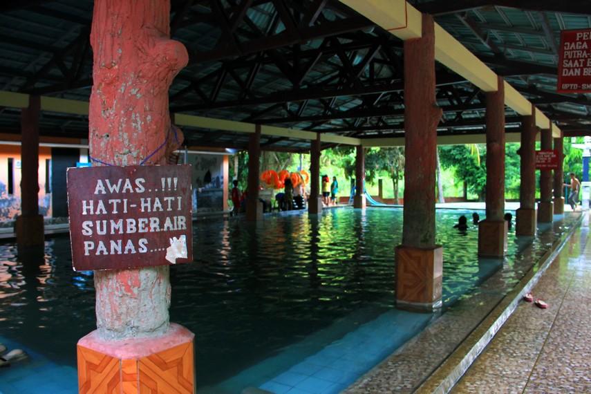 Konon, pemandian ini ditemukan oleh warga kolonial saat masih menjajah Indonesia