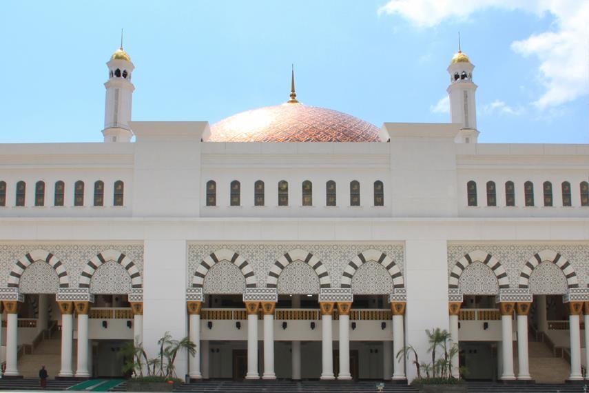 Masjid Raya Mujahidin menjadi landmark dari kota berjuluk Kota Khatulistiwa ini