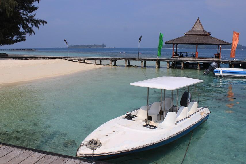 Dari Dermaga Marina Ancol hingga sampai ke Pulau Sepa menghabiskan waktu sekitar 2 jam perjalanan dengan menempuh jarak sekitar 65 km