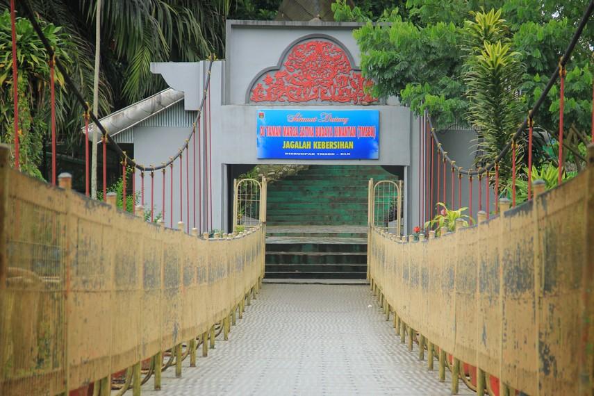 Jembatan Limpapeh menjadi ikon kebanggaan Kota Bukit Tinggi selain Jam Gadang