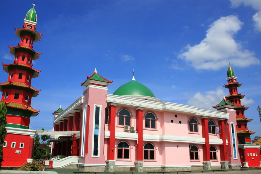 Masjid Cheng Ho Palembang merupakan masjid yang dibangun atas prakarsa Persatuan Islam Tionghoa (PITI) Palembang