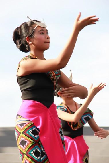 Tari Sandang Insana merupakan wujud kecintaan kerajaan Insana kepada kain tradisional