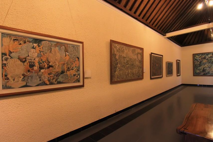 Museum Puri Lukisan berawal dari gagasan sejumlah seniman untuk melestarikan kekhasan seni lukis Bali yang terancam hilang