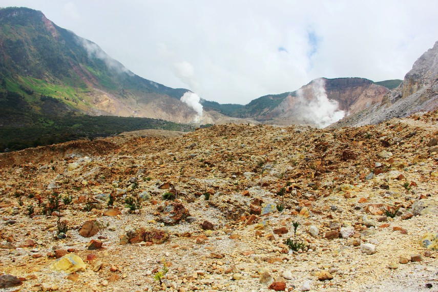 Kawah Papandayan berada di ketinggian 2.662 mdpl