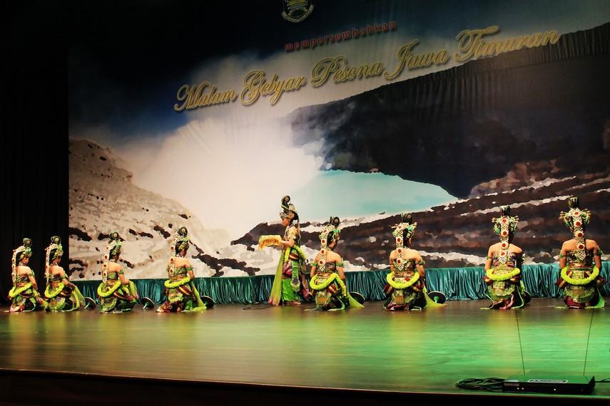 Tari bedoyo wulandaru diciptakan untuk menyambut rombongan keluarga Prabu Hayam Wuruk serta Mahapatih Gajahmada