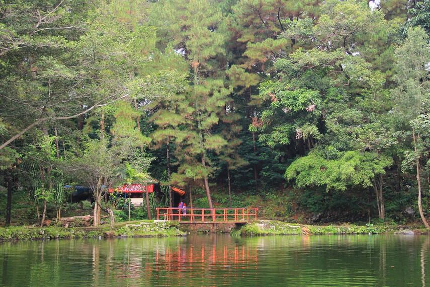 Telaga Remis diambil dari kata telaga yang berarti danau dan remis yang berarti kerang