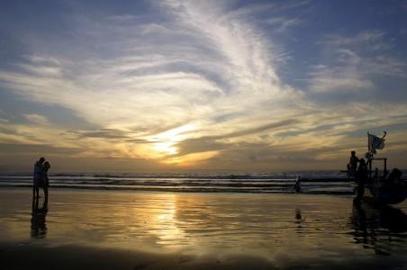 Romantisme sunset di Ujung Genteng