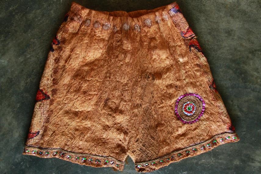Celana untuk kaum laki Dayak Salako