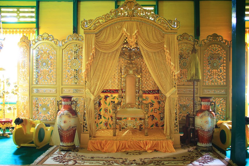 Pangeran Ratu Gusti Abdul Hamid bergelar Panembahan Gusti Abdul Hamid merupakan raja terakhir Kerajaan Landak