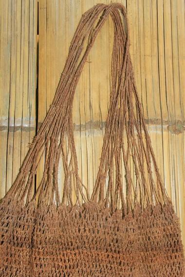 Tas koja atau jarog ini digunakan Suku Baduy dalam menjalankan aktivitas sehari-hari