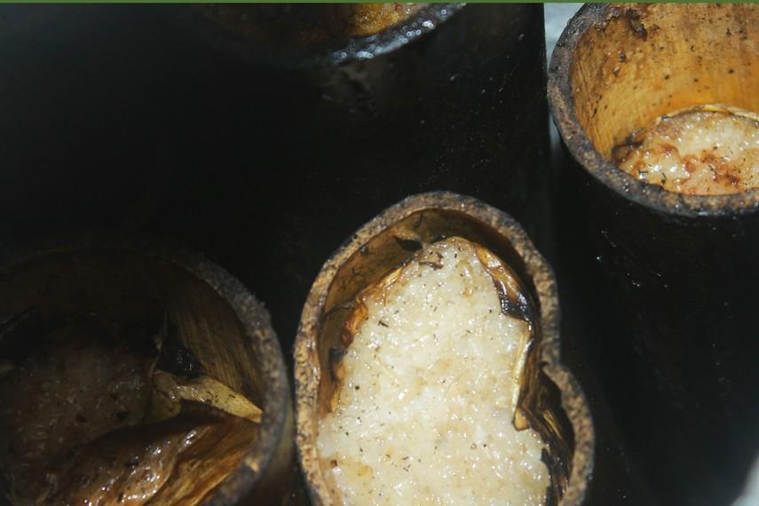 Lamang adalah beras ketan yang dimasak bersama santan dalam buluh bambu yang dilapisi oleh daun pisang