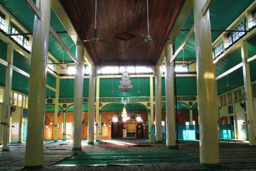 Masjid ini menjadi satu dari dua bangunan saksi berdirinya Kota Pontianak, satu bangunan lainnya adalah Keraton Kadriah