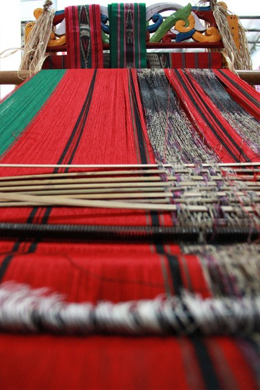 Ulap Doyo merupakan jenis kain tenun ikat khas dari suku Dayak Benuaq