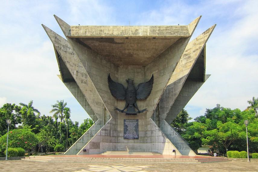 Pembangunan monumen selesai pada 1988, diresmikan oleh Alamsyah Ratu Prawiranegara (Menkokesra saat itu) dengan nama Monumen Perjuangan Rakyat