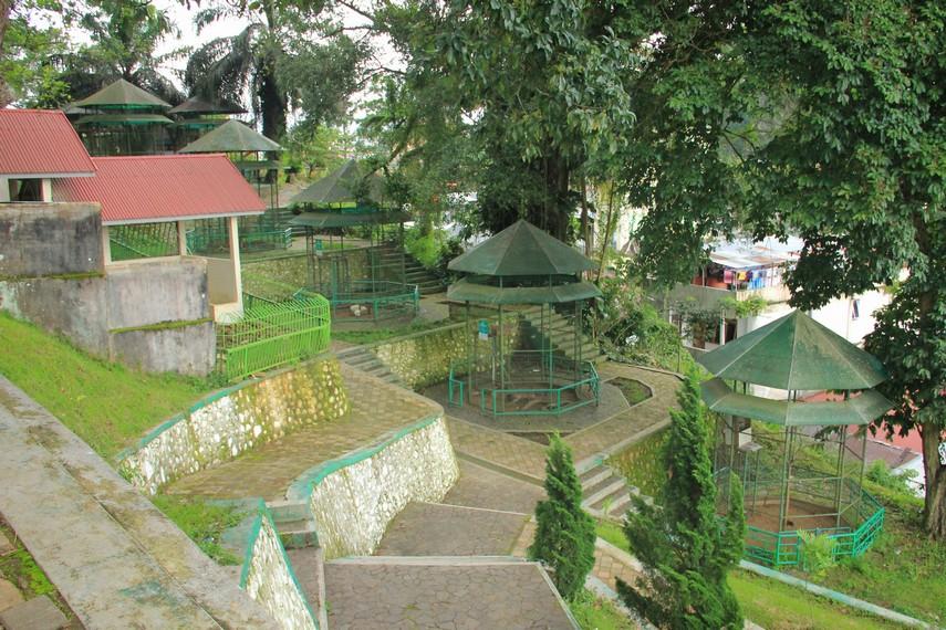 Diantara objek-objek wisata di Bukit Tinggi Taman Margasatwa dan Budaya Kinantan layak menjadi pilihan utama