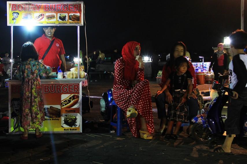 Pasar Malam Sungai Musi menjadi salah satu tempat favorit yang kerap dikunjungi oleh para wisatawan