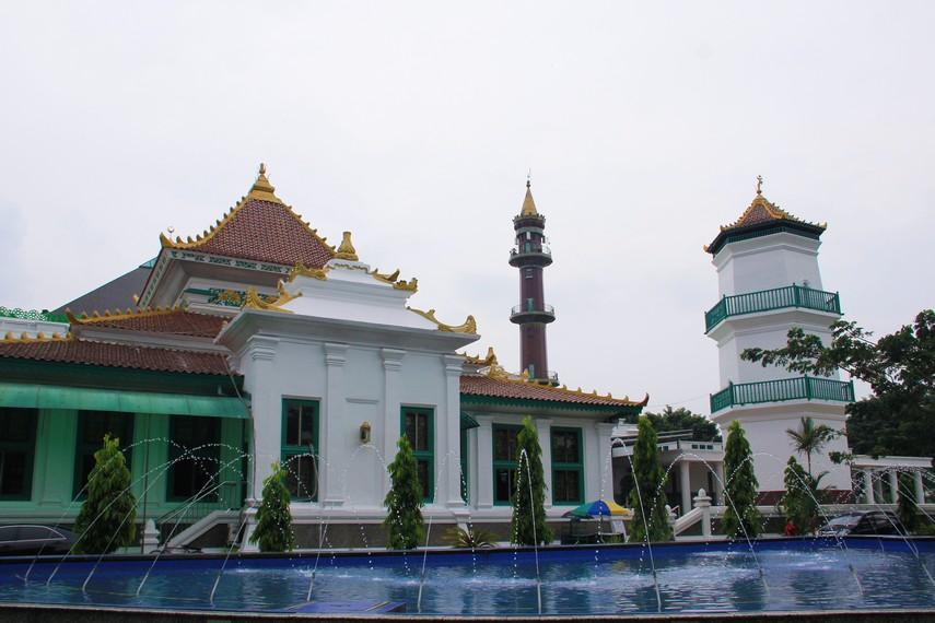Masjid Agung Palembang sebagai salah satu masjid tertua yang ada di nusantara ini sudah mengalami berbagai renovasi