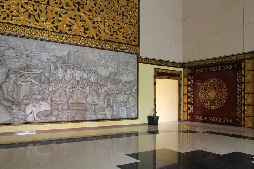 Secara umum, Museum Balaputera Dewa menyimpan berbagai koleksi ,  mulai jaman Kerajaan Sriwijaya, jaman Kesultanan Palembang, hingga ke jaman kolonialisme