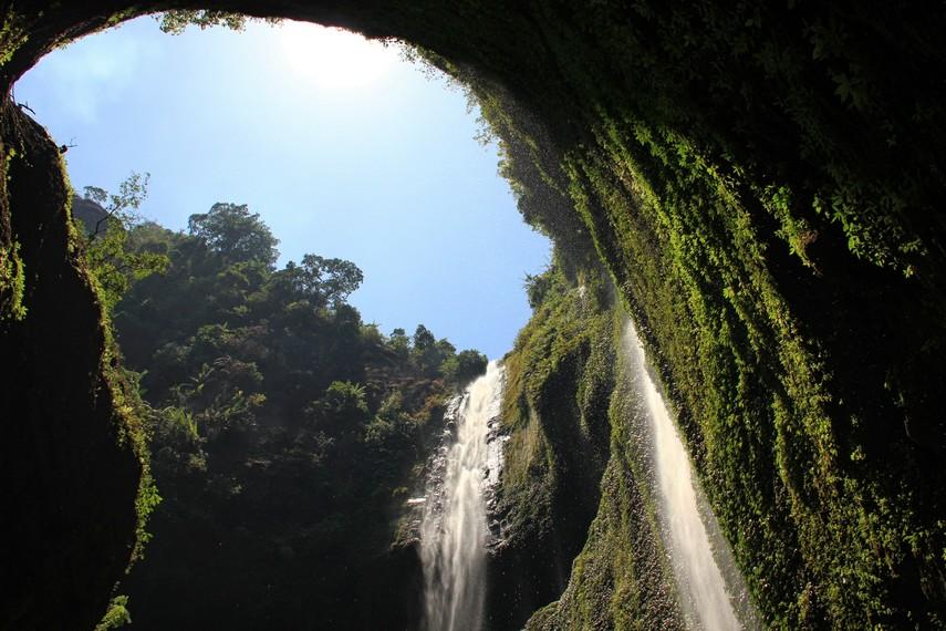 Curug Madakaripura merupakan bagian dari Taman Nasional Bromo Tengger Semeru, curug ini menjadi destinasi utama pariwisata Probolinggo