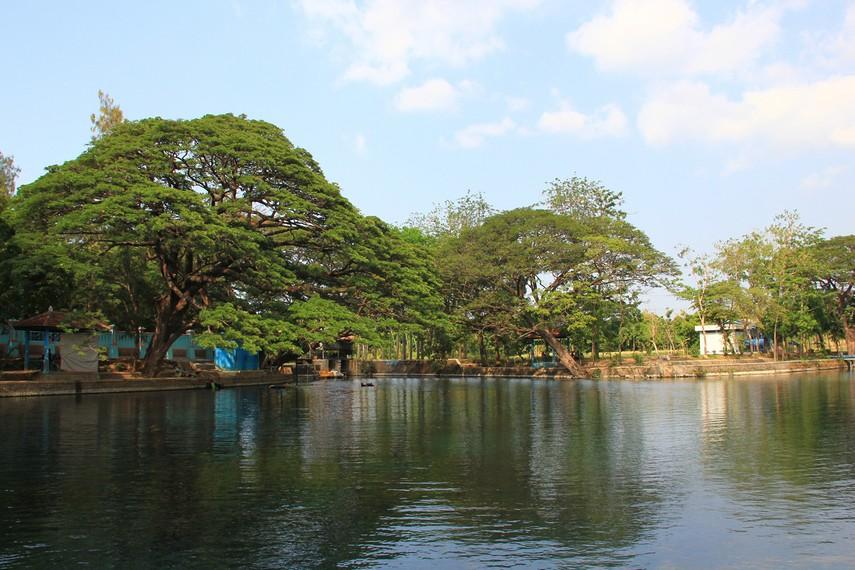 Air Ranu Ronggojalu sudah dikelola sejak zaman pemerintahan Belanda