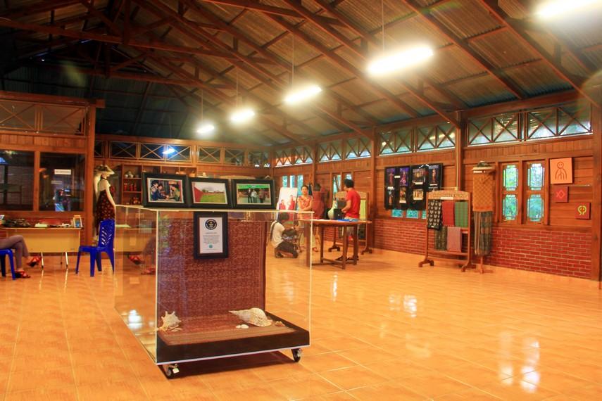 Tidak kurang dari Rumah Tenun, Galery Pinawetengan hingga Museum Religi terdapat di pusat kebudayaan ini