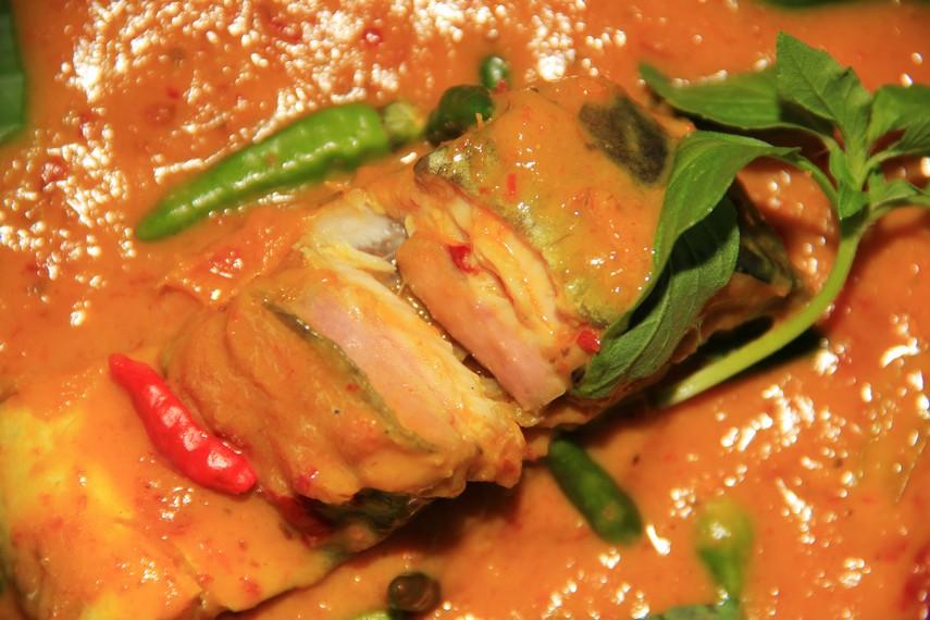 Brengkes Tempoyak mempunyai cita rasa khas perpaduan rasa gurih, pedas, manis, dan asam